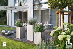 Minimalistyczne dekoracje ogrodowe marki Blomus - zdjęcie od Fabryka Form