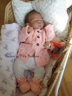 Little Girl Toys, Toys For Girls, Little Girls, Reborn Babypuppen, Reborn Baby Dolls, Baby Dolls For Sale, Real Life Baby Dolls, Little Sisters, Bassinet