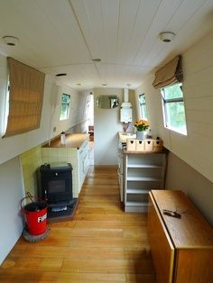 steel london narrowboat repainted I like the window treatments Barge Interior, Best Interior, Interior Design, Canal Boat Interior, Canal Barge, Narrowboat Interiors, Houseboat Living, My Ideal Home, Floating House