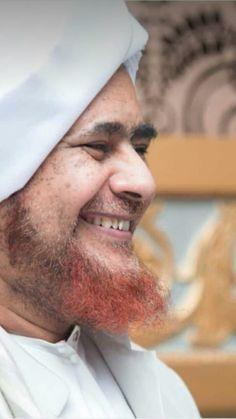 Al Habib Umar bin Hafidz bin Muhammad bin Salim 💚💚💚💚 #Ulama #tareem #rasulullah #maulid #adhyaulami Muslim Men, All About Islam, Hafiz, Islamic Pictures, Islam Quran, Alhamdulillah, Muhammad, Islamic Quotes, Allah