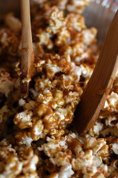 I guarantee that you will LOVE this homemade caramel corn recipe. It will become a tradition in your family. You will pass the caramel corn recipe down to your children, your grandchildren. Yes, it's that good. Darin's aunt and uncle make this gourmet caramel corn every Christmas. Auntie Di cut the recipe out 40 years ago from The Toronto Star Weekly. It's one of the treats that we look forward to most around the holidays.  If you are looking for a scrumptious DIY wedding favor – read on! I…