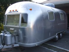 very good body work for these older Airstreams Airstream, Nice Body, Recreational Vehicles, Safari, Overalls, Camper, Jumpsuits, Work Wardrobe, Campers
