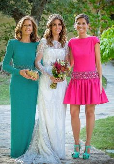 Great choice of dresses and colors. Mother Of The Bride Gown, Mother Of Groom Dresses, Pretty Dresses, Beautiful Dresses, Wedding Dresses Plus Size, Formal Dresses, Mom Dress, Dress Robes, Business Dresses
