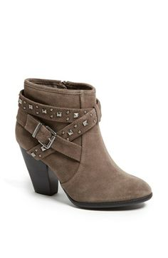Sole Society 'Kita' Bootie available at #Nordstrom Wear it with skinny jeans and a beige large jumper. Add a long owl necklace. <3