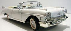 Road Signature 1958 Cadillac Eldorado Convertible Diecast Model Car 1/18 White -45.00