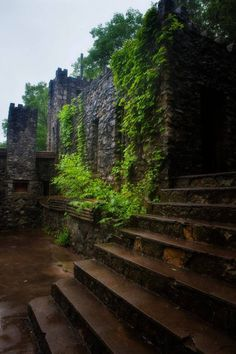 Visitors have reported hearing strange sounds coming from the walls of this abandoned castle. It's pretty creepy when you get inside and see all the graffiti and dark rooms. Abandoned Castles, Abandoned Places, Abandoned Mansions, Turner Falls Oklahoma, Oklahoma City, Autumn Park, Le Far West, Solo Travel, Ruins