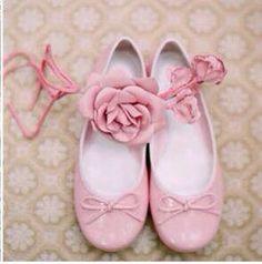 Tutti pazzi per il rosa..... Alessandro Tosetti Www.tosettisposa.it Www.alessandrotosetti.com #abitidasposa2015 #wedding #weddingdress #tosetti #tosettisposa #nozze #bride #alessandrotosetti