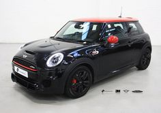 This John Cooper Works Mini Cooper came to us for some detailing work. Using 3M Gloss Black we de-chromed the head light & tail light surrounds as well as the grill. #MiniCooper #JohnCooperWorks #Detailing #3M #3MGlossBlack #Transformation #Leeds #thevehiclewrappingcentre #vwc #vehiclewrapping #vinylwraps #vinyl #wraps #wrapping