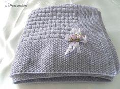 Couverture bébé parme tricotée main                                                                                                                                                      Plus