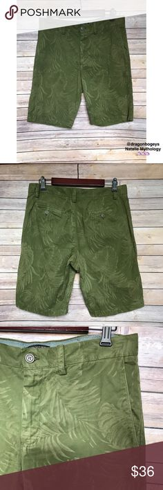 "Banana Republic Emerson Shorts Olive army green Emerson shorts from Banana Republic with a palm frond all over print. Two front pockets, two back button pockets. Front zip with button closure. Waist is 32"", inseam is 11"", total length is 21"". Worn twice, in excellent condition. Fabric is 100% cotton. Banana Republic Shorts"