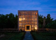 Tropical Space uses perforated brickwork to build pottery studio