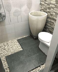 Minimalist Bathroom Design, Minimalist Room, Bathroom Design Small, Bathroom Interior Design, Home Building Design, Home Room Design, Small Toilet Room, Natural Bathroom, Small Bathroom Vanities