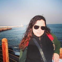 Mais uma série de fotos de uma viagem que já fiz não faz muito tempo. Primeira vez no Chile. Primeira de muitas porque já foram 3 viagens pra lá. Rumo à quarta. Aqui a caminho do deserto do Atacama nosso avião desceu em Antofagasta. Enquanto esperávamos o horário do ônibus para o Atacama fomos dar um rolê.  Viagens para recordar. Um lugar pra voltar. #antofagasta #mar #pacifico #chile #mercosul #americadosul #sudamerica #viagem #férias #trip #travel #ootd #photooftheday #memories