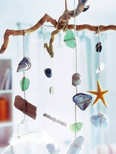 would be fun to decorate kids rooms with things they find on our vacations!