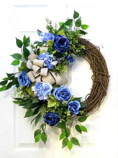hydrangea wreath, everyday wreath for Front Door, blue floral wreath, front door Spring wreaths, sum. Christmas Wreaths For Front Door, Holiday Wreaths, Door Wreaths, Diy Christmas, Summer Wreath, Spring Wreaths, Winter Wreaths, Hydrangea Wreath, Tulle Wreath