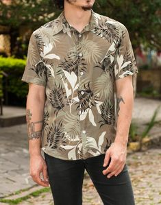 Camisa Floral, Floral Print Shirt, Mens Fashion, Fashion Outfits, Mens Clothing Styles, Printed Shirts, Casual Shirts, Street Wear, Men Casual