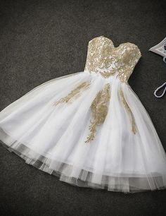 Cute White Tulle Party Dress with Gold Applique, Prom Dresses, Short Prom Dresses - Party & Wedding Gold Dama Dresses, Quinceanera Dama Dresses, Hoco Dresses, Sexy Dresses, Dress Outfits, Formal Dresses, Chiffon Dresses, Evening Dresses, White And Gold Dresses