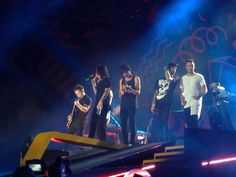 I literally watched the concert through vines lol - OTRA Sydney (2.7.15)