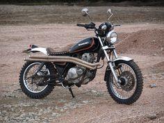 Suzuki gn250 scrambler.