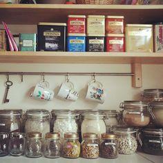 """""""Ordnung ist das halbe Leben ;-) #ikea #ideasfestival #storage #joyofstorage #kitchen #besta #värde #korken #jars"""""""