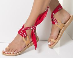 """Toe Ring leather sandals in 6 colors with a set of 5 interchangeable bandana laces included! Wedge sandals """"Coralia"""""""