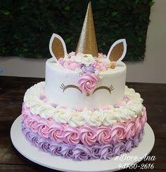 Festa do Unicórnio +de 200 Ideias para Sua Festa! Unicorn Themed Birthday Party, Birthday Cake Girls, Unicorn Birthday Cakes, Unicorn Cakes, 3rd Birthday, Bday Girl, Cupcake Cakes, Cupcakes, Unicorn Baby Shower
