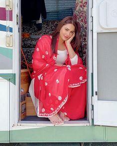 Punjabi Girls, Punjabi Bride, Punjabi Actress, Bollywood Actress, Cute Girl Poses, Cute Girls, New Hd Pic, Pakistani Party Wear Dresses, Hd Wallpapers For Mobile