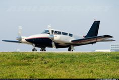 Piper PA-30-160 Twin Comanche B aircraft picture