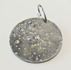 LLAVERO LUNA, Fundido en aluminio, a la venta en Tienda Bronzo. Design, Key Fobs, Store
