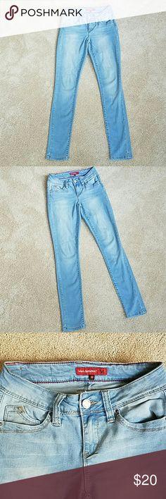 WannaBettaButt YMI light wash jeans WannaBettaButt skinny jeans with stretch, YMI. Good new condition, wore 2-3 times. Sexy pants! YMI Jeans