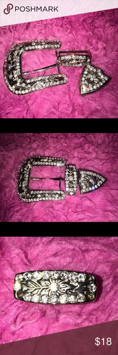 Rhinestone & silver belt buckle Rhinestone belt buckle, I was going to redo on a new belt, that was 4 years ago lol, 3 rhinestone's are missing and I took picture without flash to see it better Accessories Belts