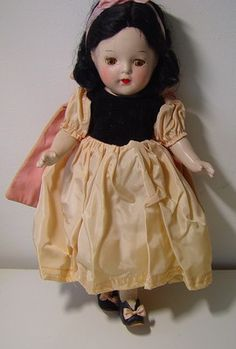 Excellent example of Madame Alexander Princess Elizabeth Snow White 1937 composition doll.  Dress Should be pink and black- it has perhaps faded or is quite unusual.