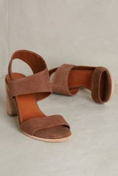 Bernardo Holly Taupe Heels #anthrofave #anthropologie