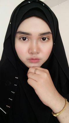 Big Fashion, Hijab Fashion, Muslim Beauty, Baggy Clothes, Turkish Fashion, Beautiful Hijab, Niqab, Hottest Models, Stylish