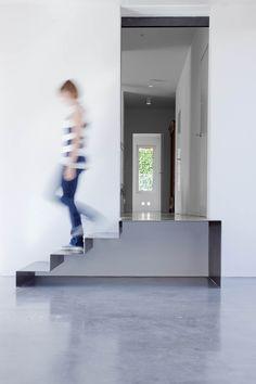villa mm a biella - Federico Delrosso Architects Contemporary Architecture, Architecture Design, Villa, Stairs, Italy, Interior Design, Projects, Staircases, Minimal