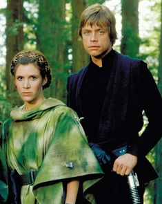Star Wars Legends - Luke and Leia actors honored by Disney