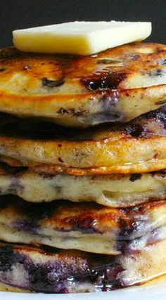 Pancakes are prepared to be served. These pancakes are a wholesome alternative for breakfast. The simplest and tastiest pancake you are ever going to eat! Buttermilk Pancakes, Breakfast Pancakes, Breakfast Items, Breakfast Dishes, Best Breakfast, Breakfast Recipes, Blueberry Pancakes, Blueberry Breakfast, Pancake Recipes