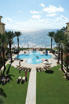 Florida can be your perfect vacation spot for so many reasons. Whether you are young, or young at heart, Florida is the place for you! Palm Beach Resort, Palm Beach Florida, West Palm Beach, Florida Beaches, South Florida, Visit Florida, Florida Vacation, Vacation Trips, Vacation Spots