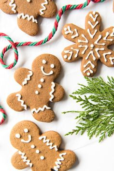 Soft & Chewy Gingerbread Men Cookies are perfectly spiced with molasses, cinnamon, ginger and other warm spices. The best way to spread Christmas cheer! Soft Gingerbread Cookies, Xmas Cookies, Gingerbread Men, Gingerbread Recipes, Cookies Soft, Christmas Goodies, Christmas Treats, Christmas Recipes, Christmas Stuff