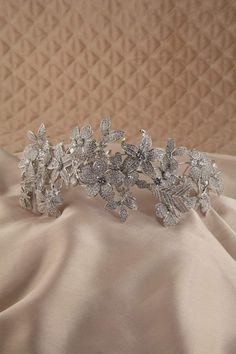 Luxury bridal accessories, tiaras, crowns, vines and statement earrings. Statement Earrings, Diamond Earrings, Feather Crown, Wedding Tiara Hairstyles, Alice Band, Crown Headband, Floral Crown, Gold Stars, Bridal Accessories