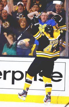 Torey Krug celebrates his first NHL goal loving the strongman arms! Hot Hockey Players, Nhl Players, Hockey Teams, Hockey Rules, Boston Bruins Hockey, Usa Hockey, Nhl News, Boston Strong