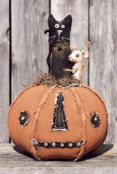 Primitive Pattern Old Jean Jacks image 1 Primitive Halloween Decor, Primitive Pumpkin, Rustic Halloween, Halloween Sewing, Fall Sewing, Pumpkin Art, Halloween Doll, Halloween Patterns, Halloween Items