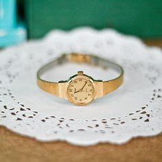 dainty watch