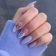 Semi-permanent varnish, false nails, patches: which manicure to choose? - My Nails Minimalist Nails, Best Acrylic Nails, Acrylic Nail Designs, Nail Manicure, Gel Nails, Glitter Nails, Pointy Nails, Nails Polish, Fire Nails
