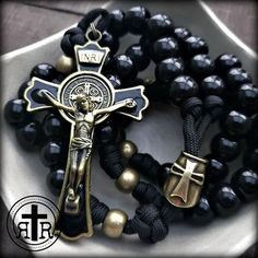 Rugged Rosaries ◾ Catholic Rosaries ◾ Paracord and Combat Rosaries – 31 flavors Rosary Prayer, Holy Rosary, Rosary Catholic, Rosary Bead Tattoo, Rosary Beads, Paracord Rosary, Bracelet Knots, Stackable Bracelets, Jewelery