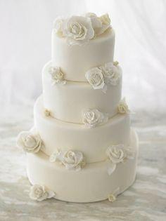 All white wedding cake All White Wedding, White Wedding Cakes, Wedding Cake Roses, Wedding Cake Toppers, Pretty Cakes, Beautiful Cakes, Amazing Cakes, Fondant Cakes, Cupcake Cakes