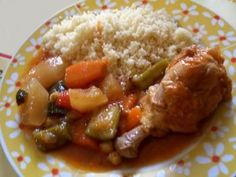 Chicken couscous recipe: a complete and light dish Source by Chicken Couscous, Couscous Recipes, Pause, Mashed Potatoes, Beef, Dishes, Ethnic Recipes, Desserts, Food