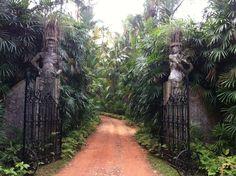Bevis Bawa Brief Garden, Sri Lanka