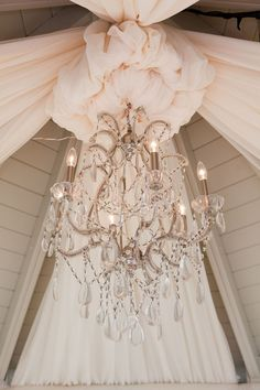 Pretty chandelier Want to do this in my shabby chic bedroom Chic Wedding, Perfect Wedding, Wedding Styles, Dream Wedding, Wedding Day, Wedding Venues, Wedding Beauty, Wedding Bells, Wedding Reception