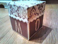 """Explosión box"""